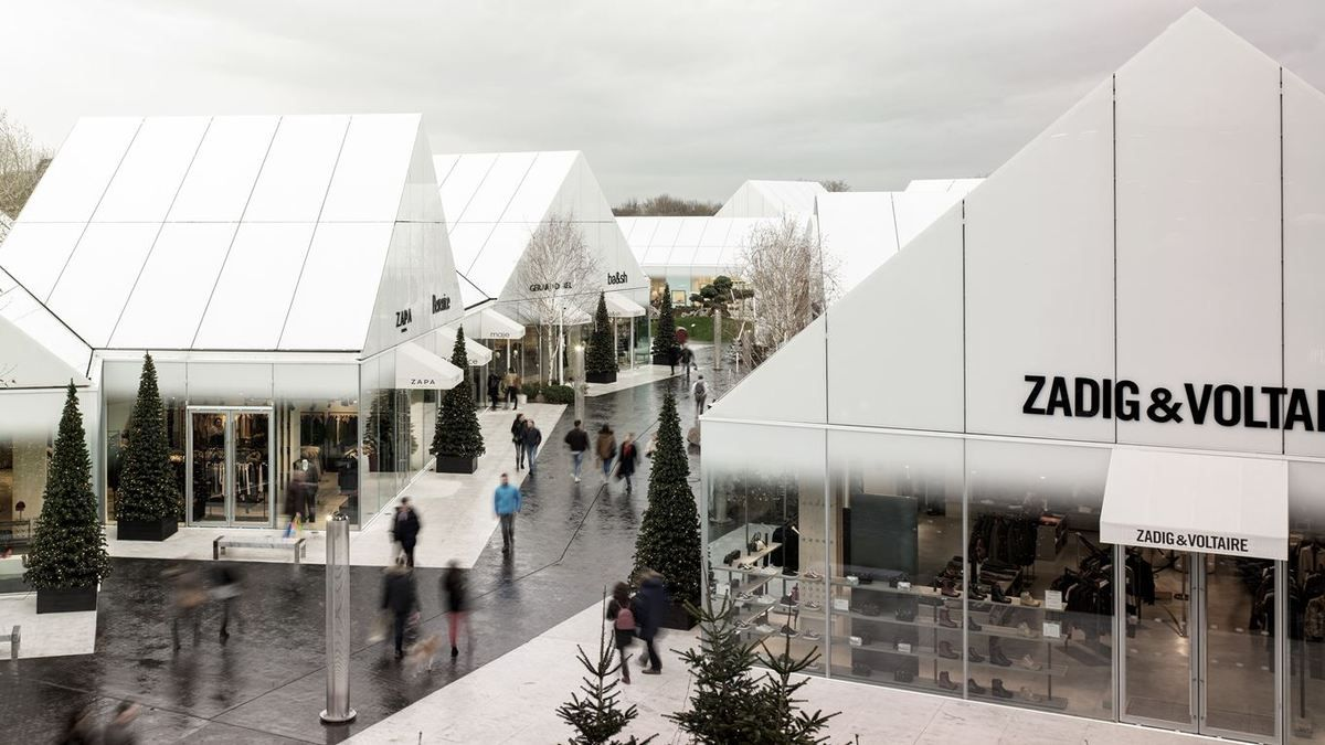 THE VILLAGE, OUTLET SHOPPING CENTER IN VILLEFONTAINE BY GIANNI RANAULO DESIGN