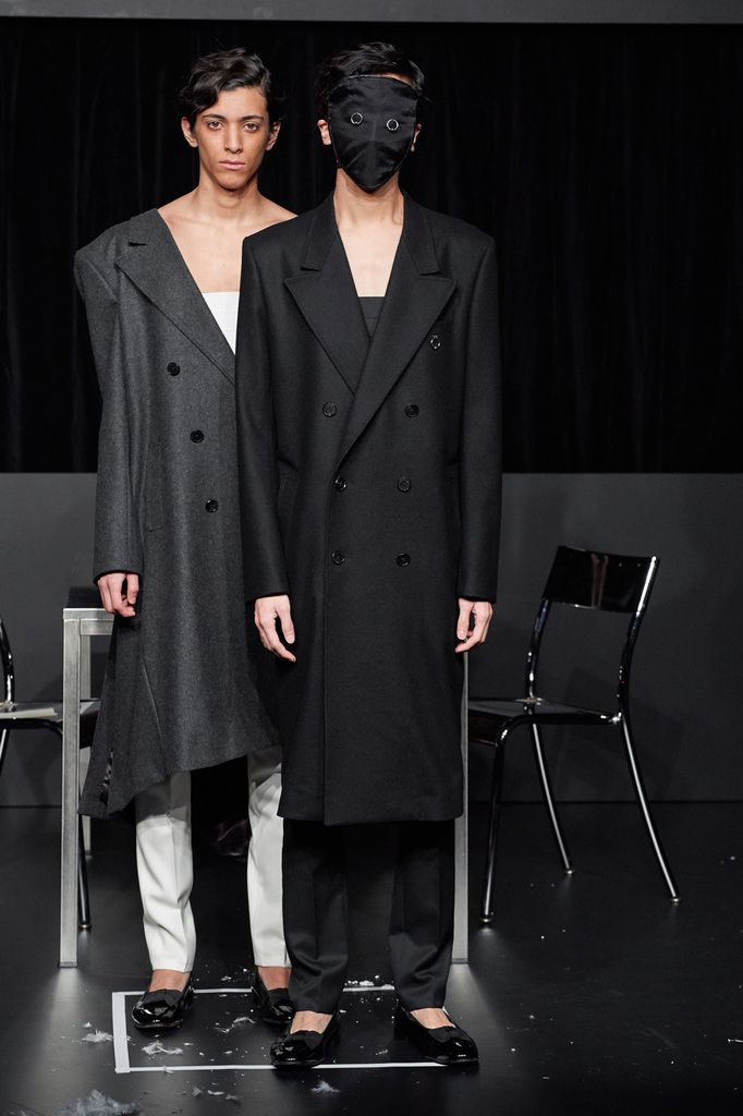 DRESSEDUNDRESSED FALL WINTER 2019/20 RTW COLLECTION IN TOKYO