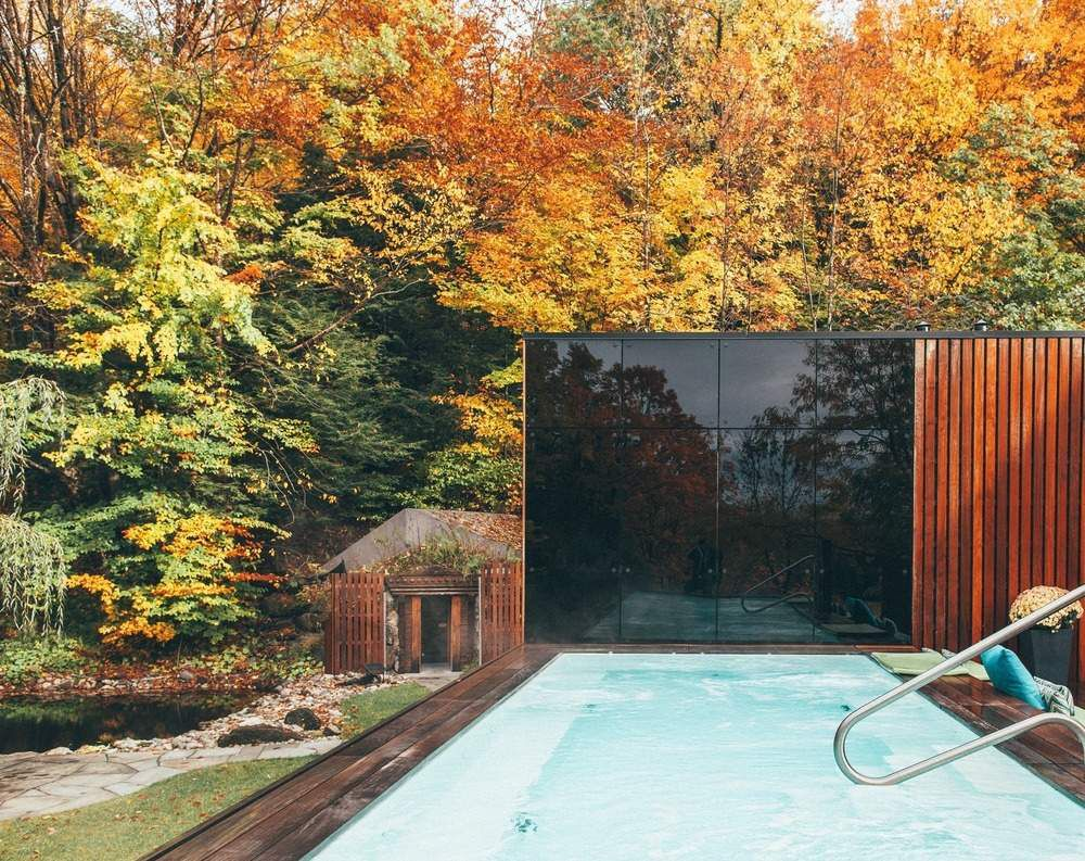 THE PAVILLON OUEST BY BLOUIN TARDIF ARCHITECTURE / A NEW RELAXATION SPACE AT BALNEA SPA + RÉSERVE THERMALE BROMONT, CANADA