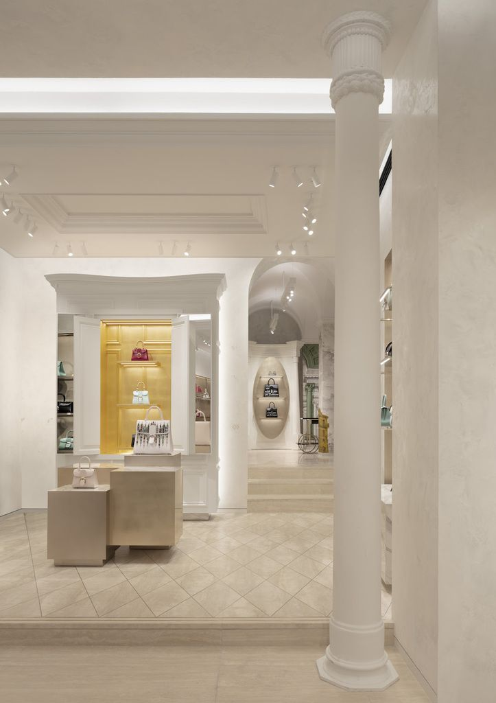 DELVAUX OPENS ITS FIRST BOUTIQUE IN ROME