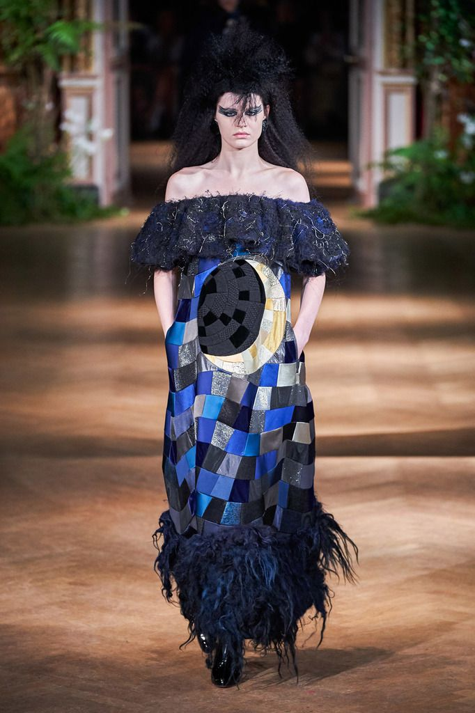VIKTOR & ROLF FALL 2019 COUTURE COLLECTION, PFW