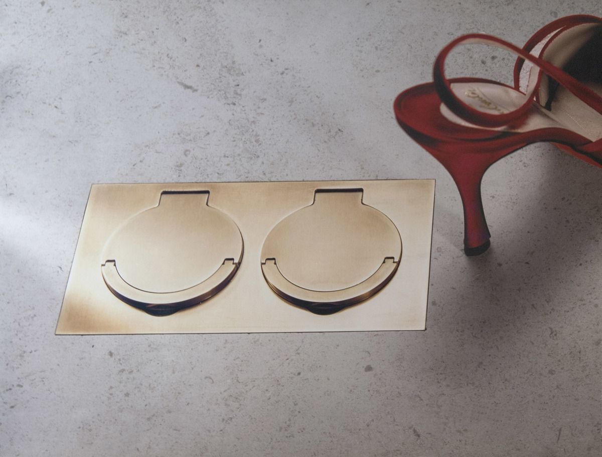 MELJAC'S SOL COLLECTION : A FLOOR OUTLET WITH A PEDIGREE