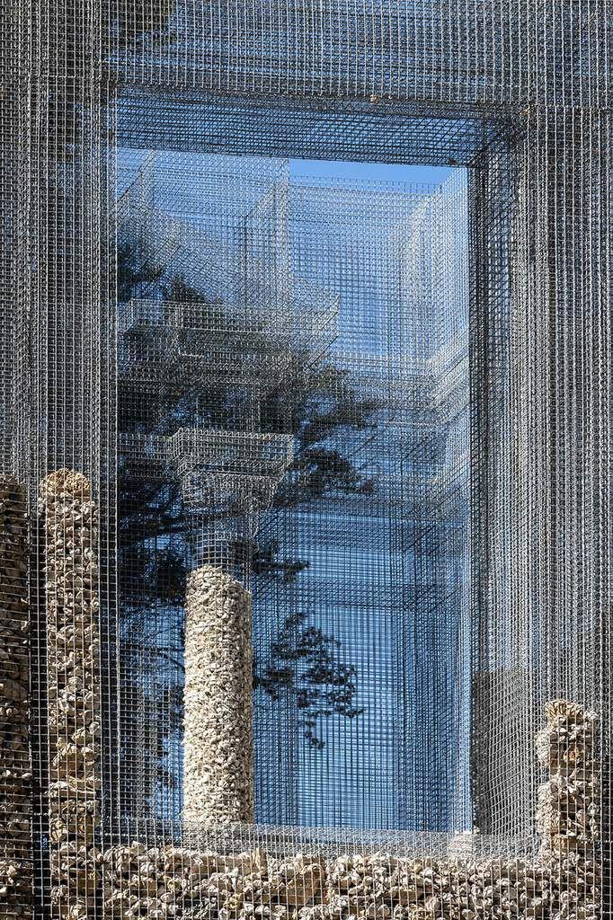 EDOARDO TRESOLDI PRESENTS 'SIMBIOSI' FOR ARTE SELLA SCULPTURE PARK IN ITALY'S TRENTINO VALLEY