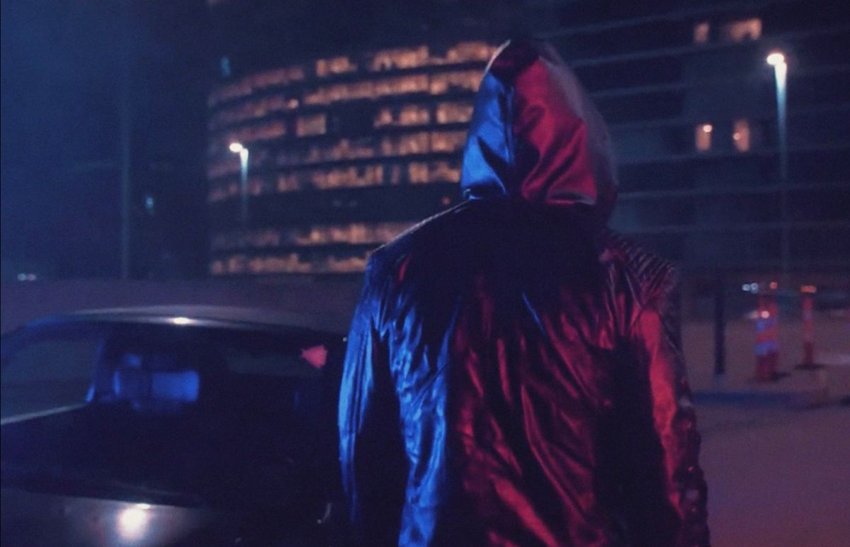 ESSENGER HITS THE STREETS ON SHADOWY NEW SYNTHWAVE TRACK 'AFTER DARK'