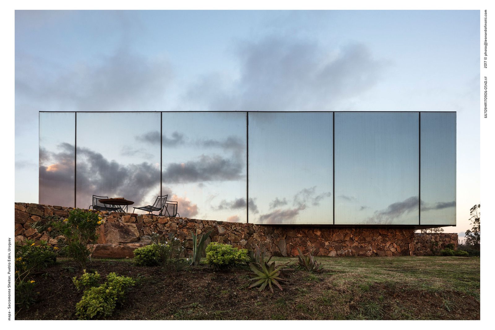 A NEW HOTEL EXPERIENCE, A SHELTER AS AN INVITATION TO APPROACH THE WORLD OF WINES IN URUGUAY