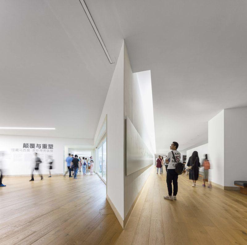 ÁLVARO VIEIRA SIZA AND CARLOS CASTANHEIRA DESIGNED THE CHINA MUSEUM OF DESIGN, BAUHAUS COLLECTION