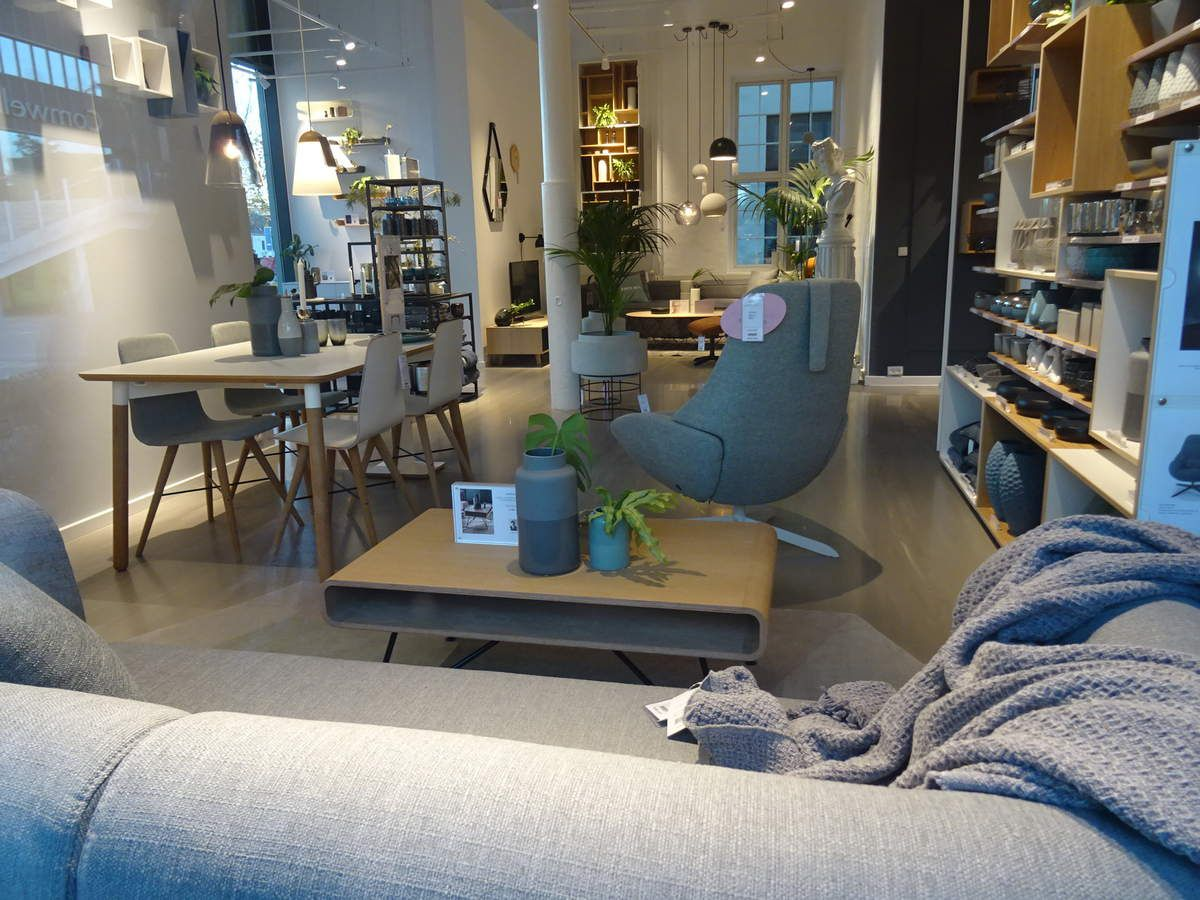 Un magasin avec des showrooms successifs