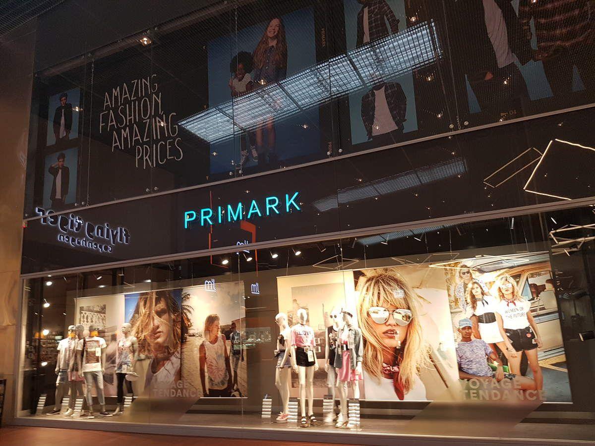 La façade et la vitrine de Primark