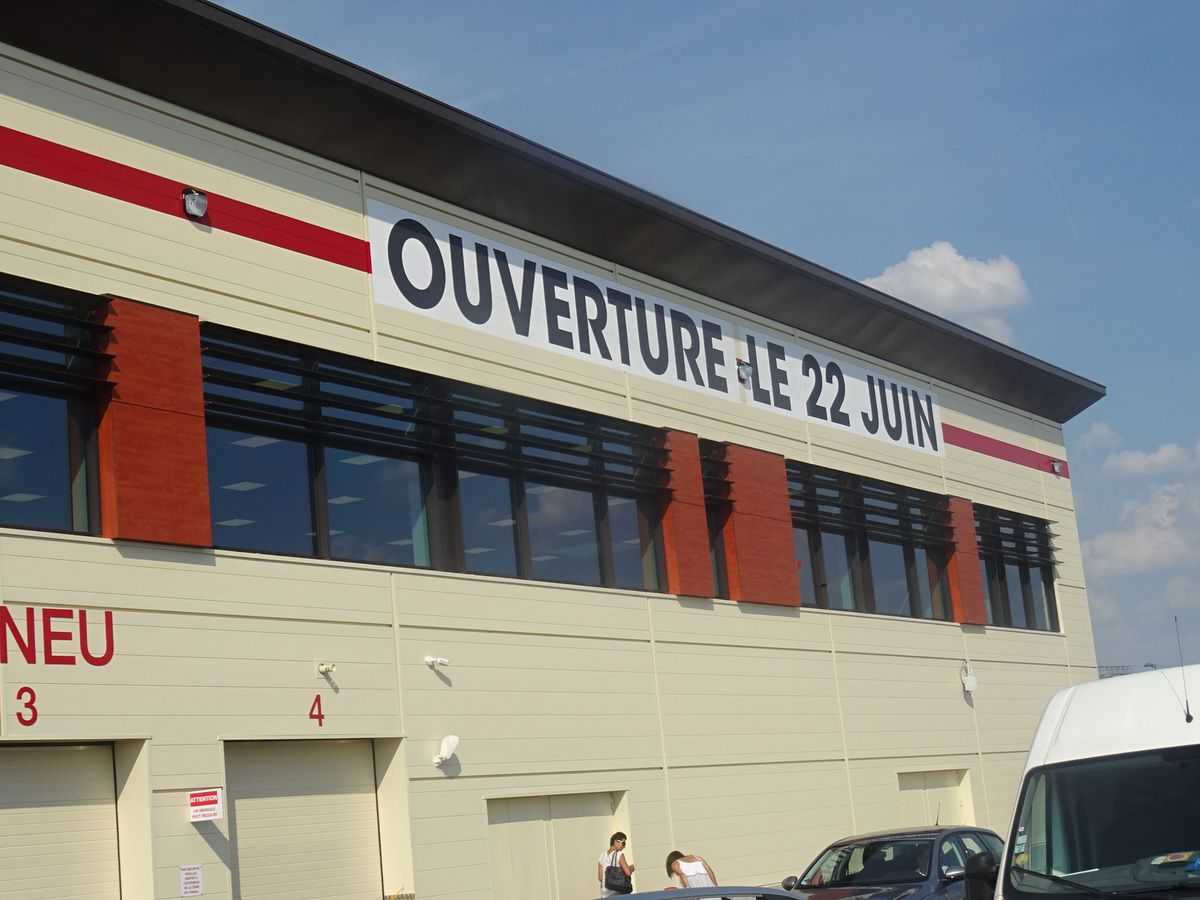 Le premier club entrepôt de Coscto Wholesale en France