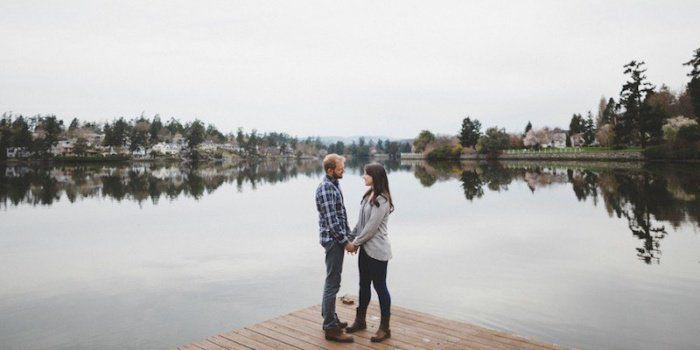 La différence entre être amoureux et être simplement attachés l'un à l'autre