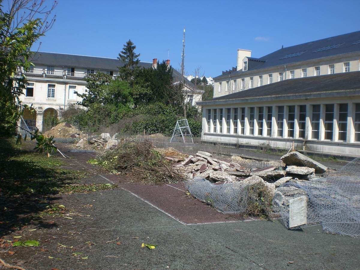 Quelques souvenirs des ruines du futur Rectorat de Poitiers (Avril 2008)