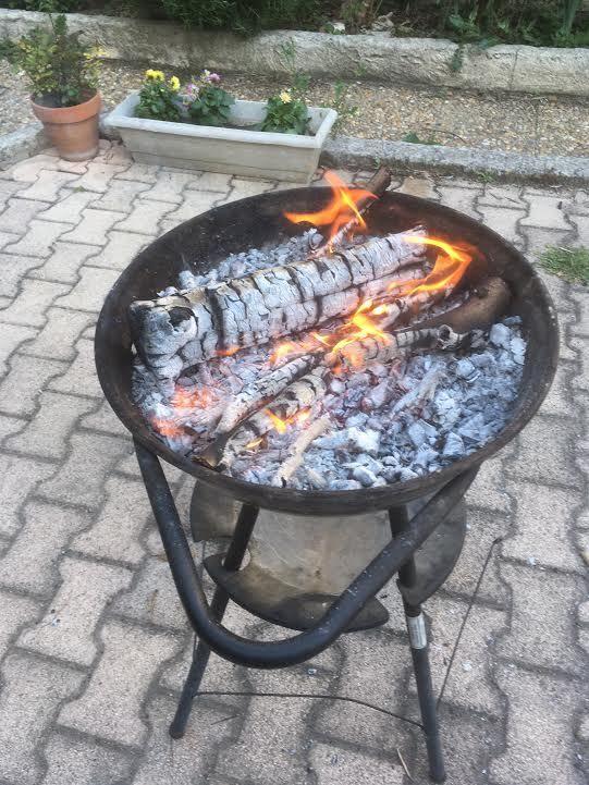 Pourquoi c'est toujours les z'hommes qui allument le feu ?