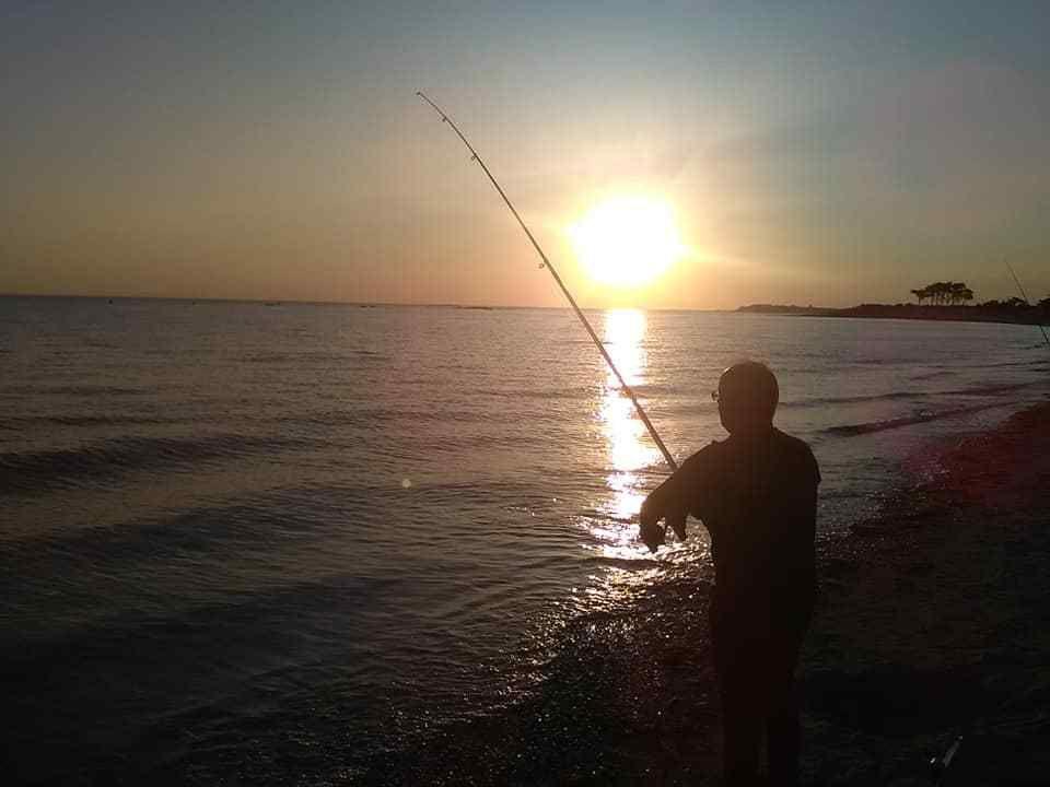 A  la pêche ..............................