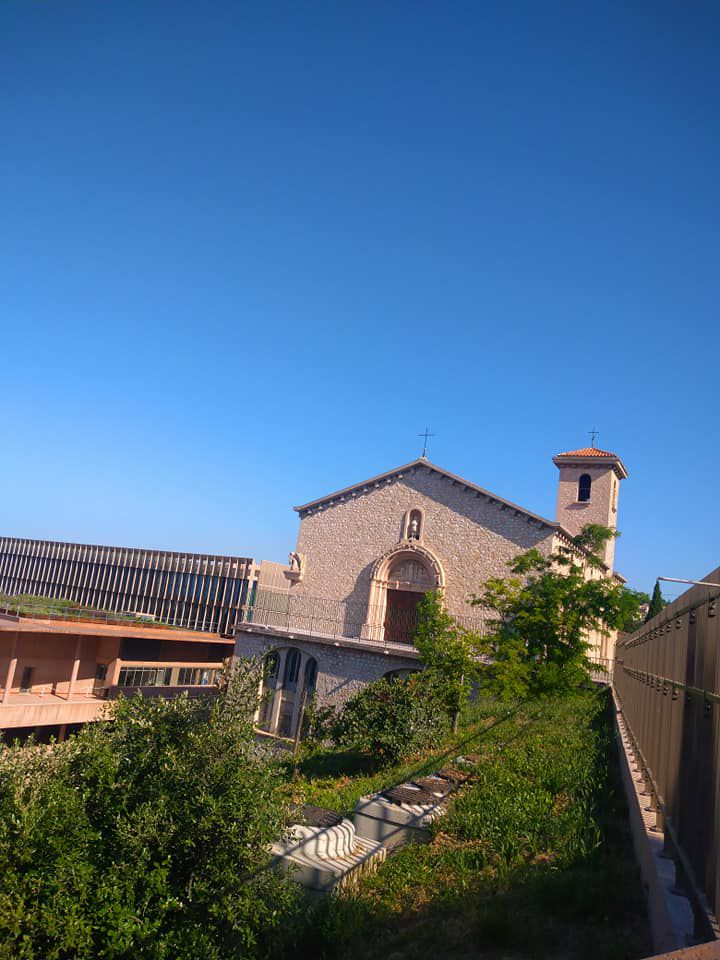 Eglise st Mitre à Marseille .
