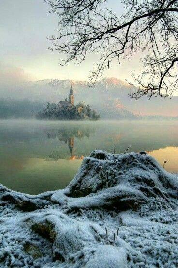 Bonne nuit polaire à tous .