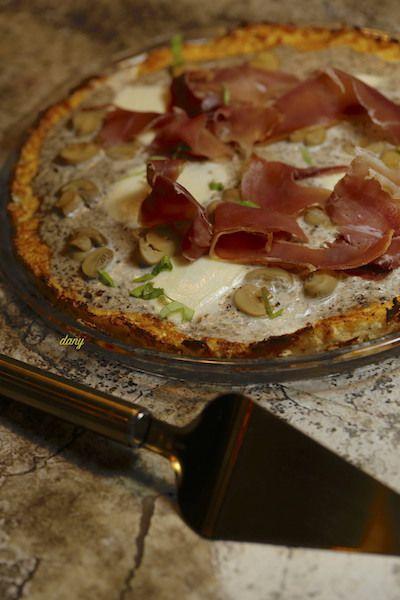 PIZZA À LA CRÈME DE TRUFFE pâte de chou fleur