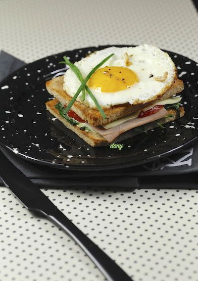 CROQUE MADAME JAMBON ÉPINARDS