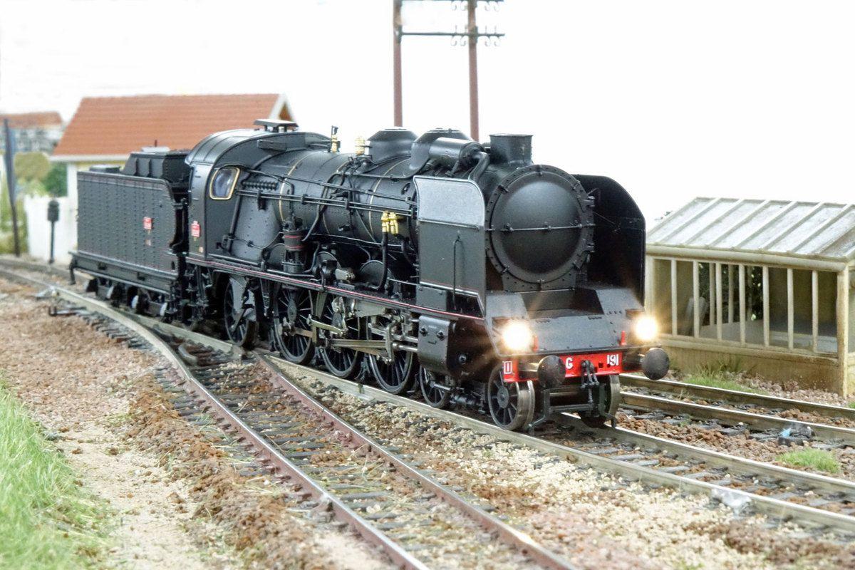 La 231 G 191 va entrer HLP en gare de Castelnau.