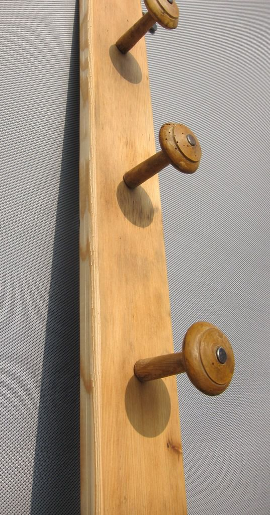 FRENCH VINTAGE WOODEN COAT HANGER 3 PEGS FROM A NORMAN HORSE'S STABLE