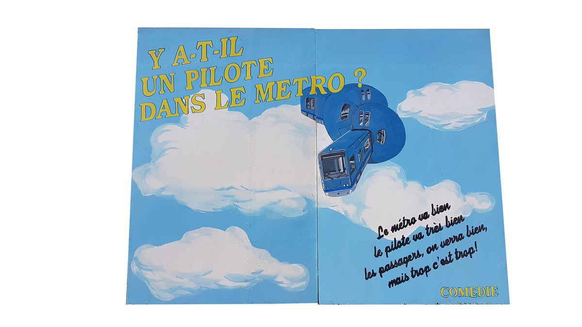 """DECOR DE THEATRE """"Y A-T-IL UN PILOTE DANS LE METRO?"""" - 500 euros"""