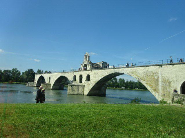 Avignon, Le pont Saint-Bénezet, dit le Pont d'Avignon, Cl. Elisabeth Poulain