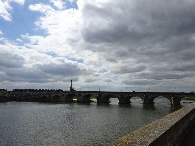 Blois, La Loire, le pont, les quais, Cliché. Elisabeth Poulain