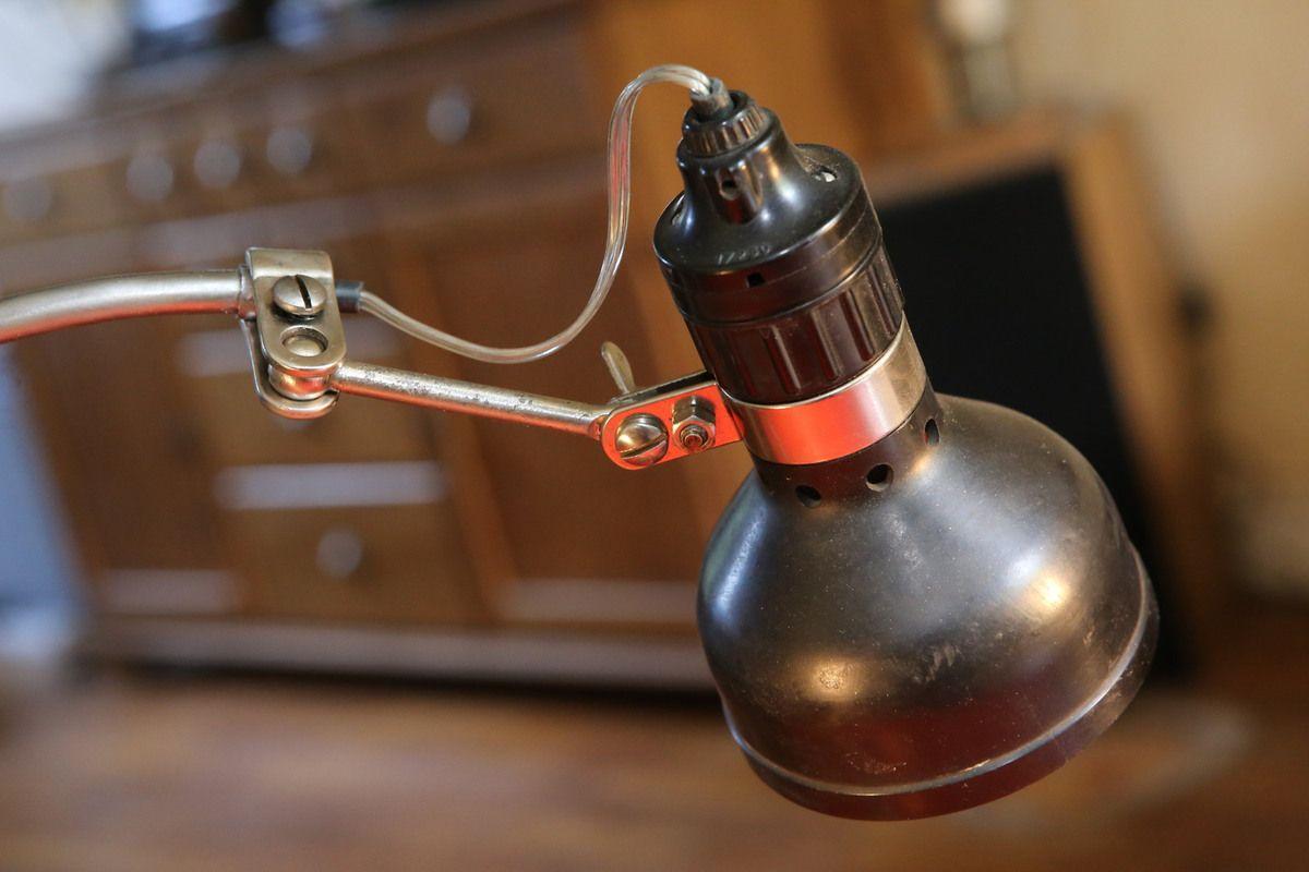 Création lampe unique récup' ancien projecteur vintage lampe Singer bakelite articulée