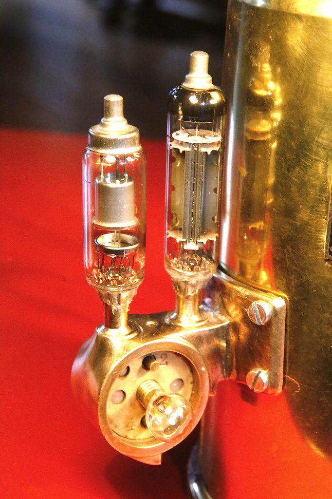 Création lampe unique récup recyclage ancien pulvérisateur laiton, manomètre, ampoules tube TSF, esprit Steampunk