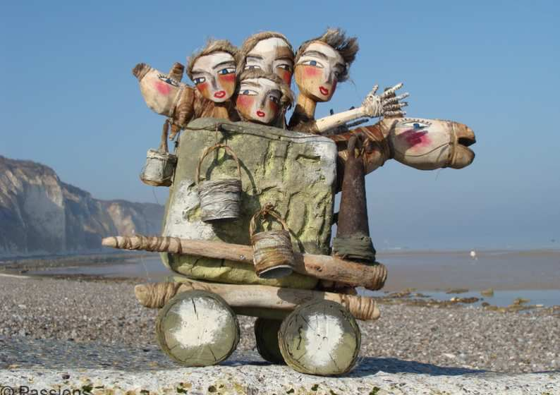Les artistes de la récupération : Vincent Prieur, créateur de sculptures drôles et poétiques à partir d'objets et matériaux