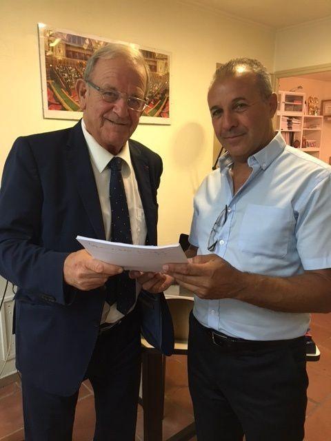 Ali Amrane reçu par le sénateur des alpes maritimes Jean-Pierre Leleux à fin qu'il dépose une proposition en soutien à celle déposée au sénat