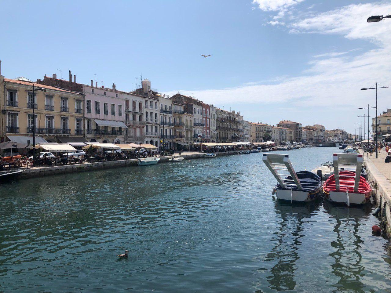 Repérages acoustiques et rencontres à Sète par Veronica Antonelli artiste lyrique