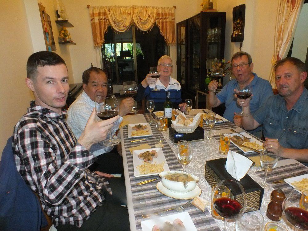 15 janvier 2018: Udonthani : Repas d'anniversaire de NOM.