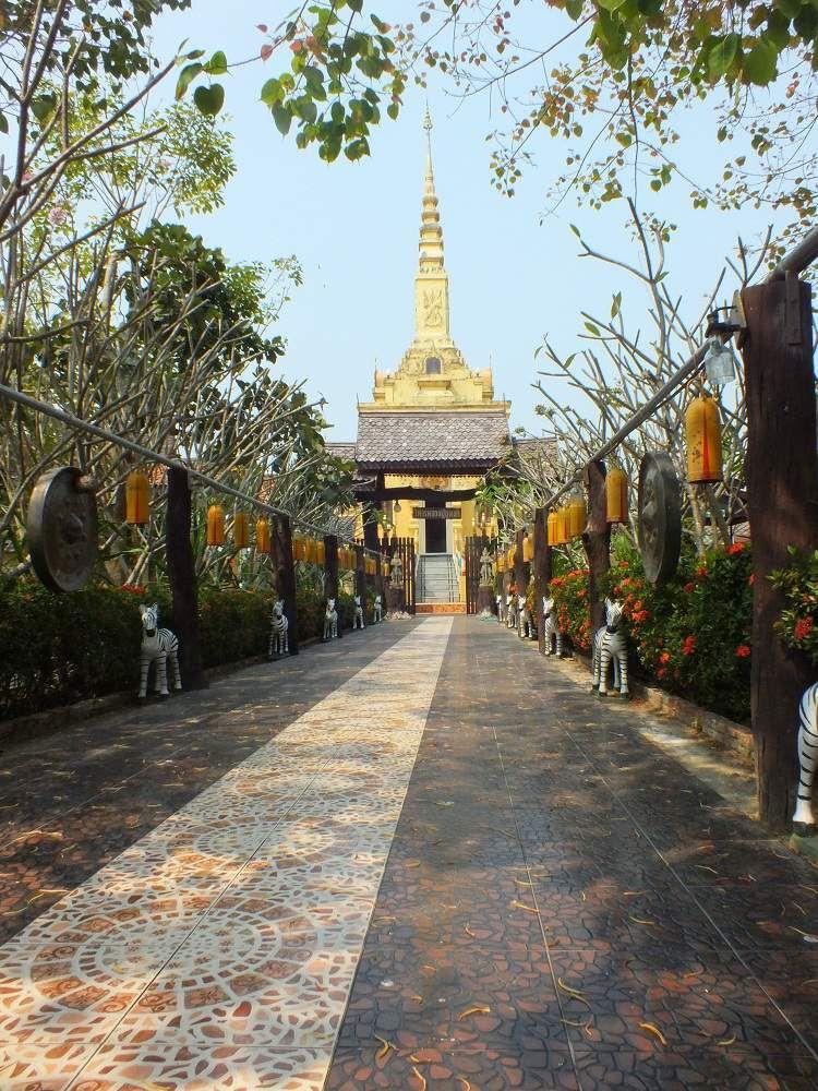 14 février 2018 : Udonthani : Les stèles du Wat Non Sila At Wararam et visite du Wat de Ban Phan.