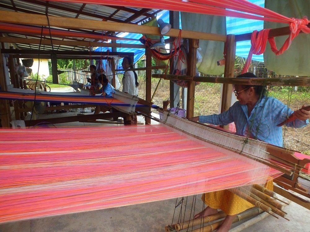 Thaïlande : La fabrication de tissus de coton d'Udonthani