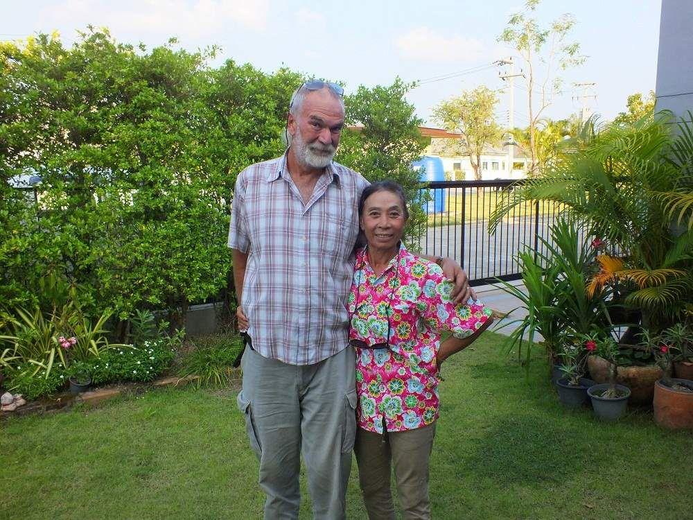 9 octobre 2018: Udonthani: Visite de Paul et de AE.