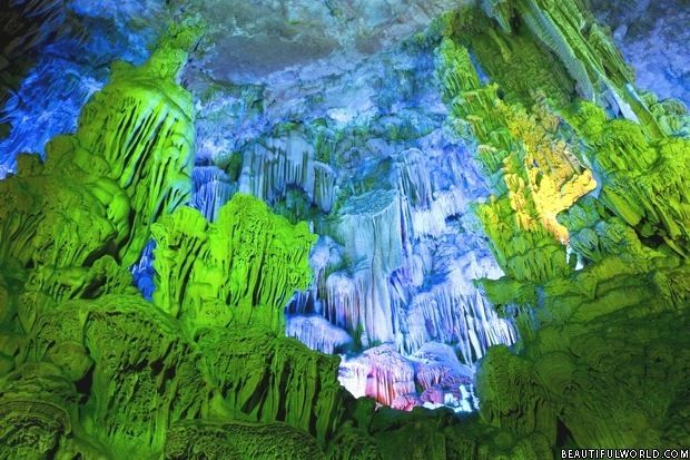 https://www.beautifulworld.com/asia/china/reed-flute-cave/