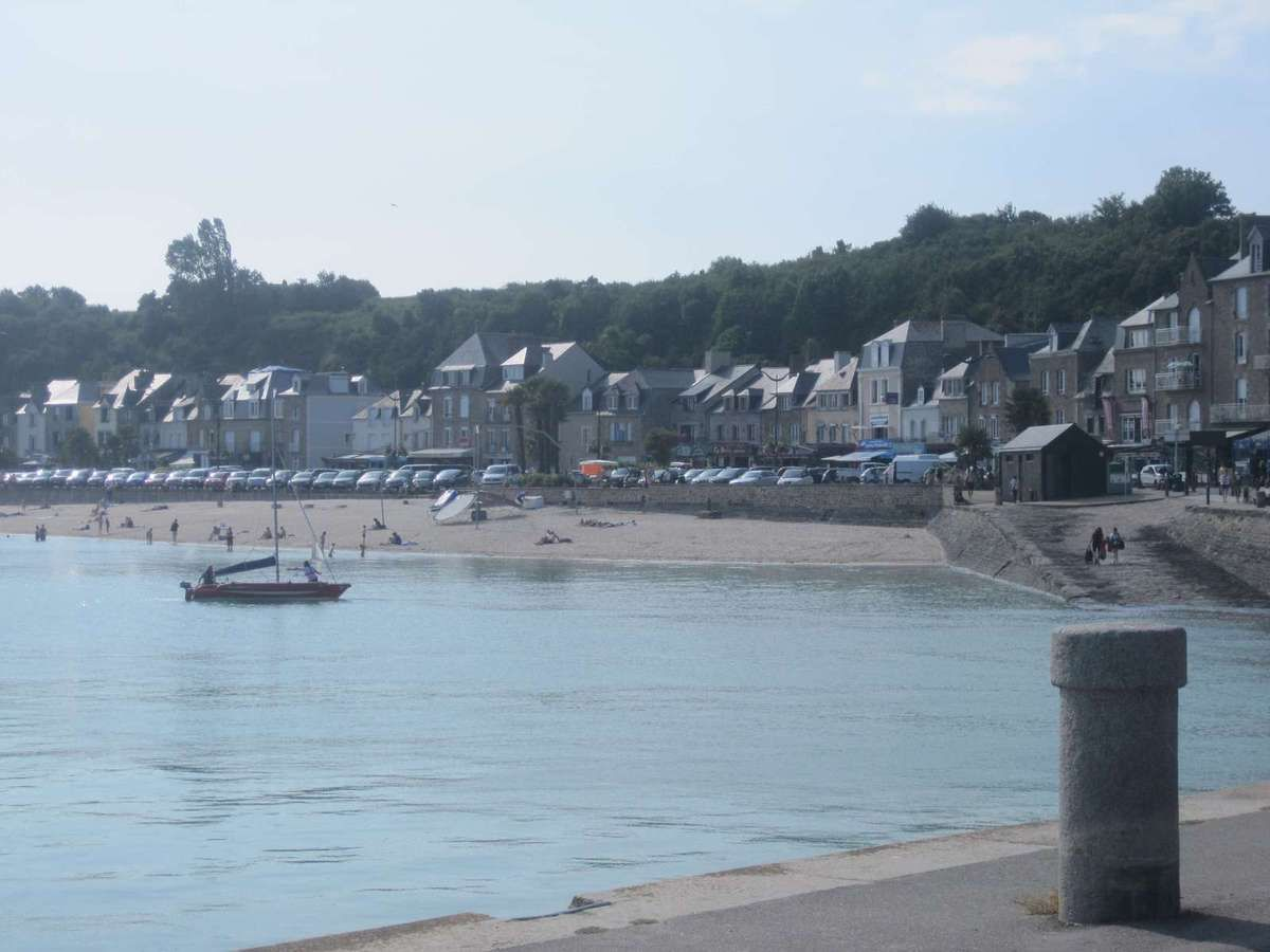 Cancale - Le port de La Houle