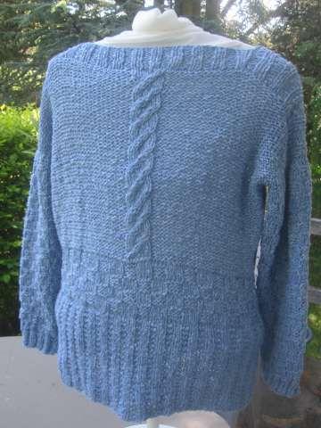 Le pull bleu