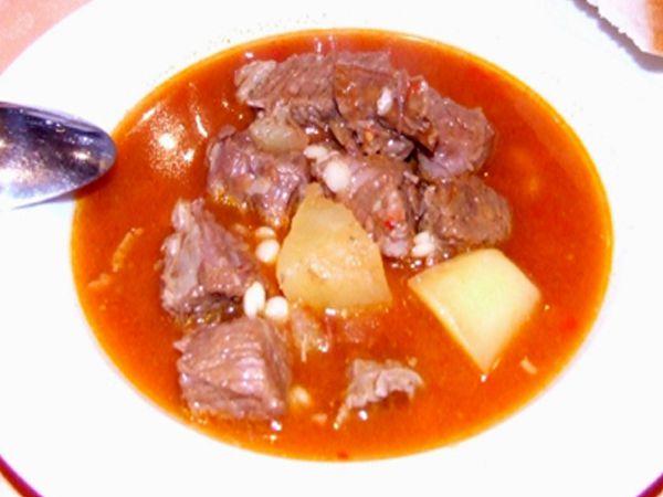 Plat traditionnel de Hongrie: la soupe de Goulash
