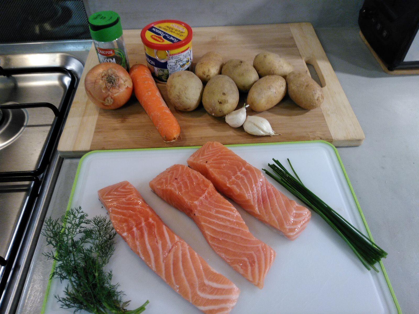 """Soupe-repas de saumon de la Laponie Finlandaise: """"Lohikeitto"""""""