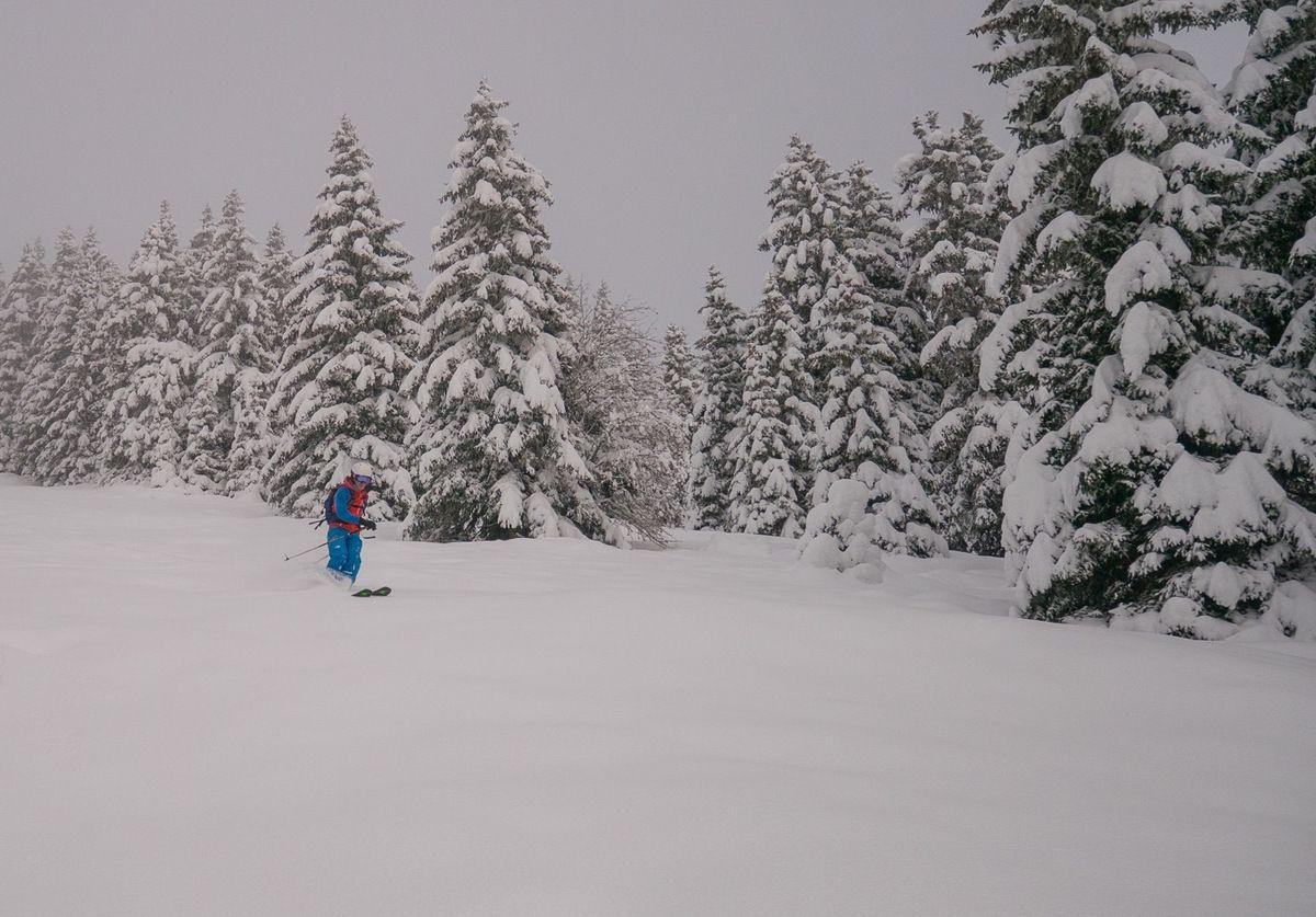 Première descente fort bonne malgré une neige humidifiée sur la moitié inférieure