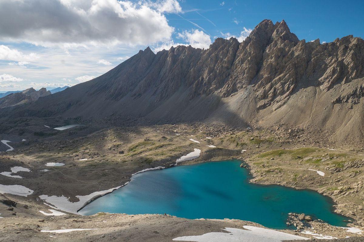 Le lac des 9 Couleurs depuis la montée à la tête de la Fréma