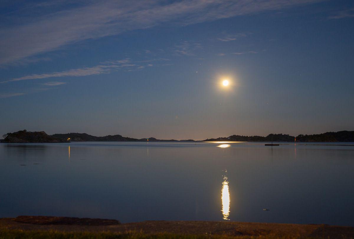 Arrivée en Norvège : petit port à l'ouest de Kristiansand