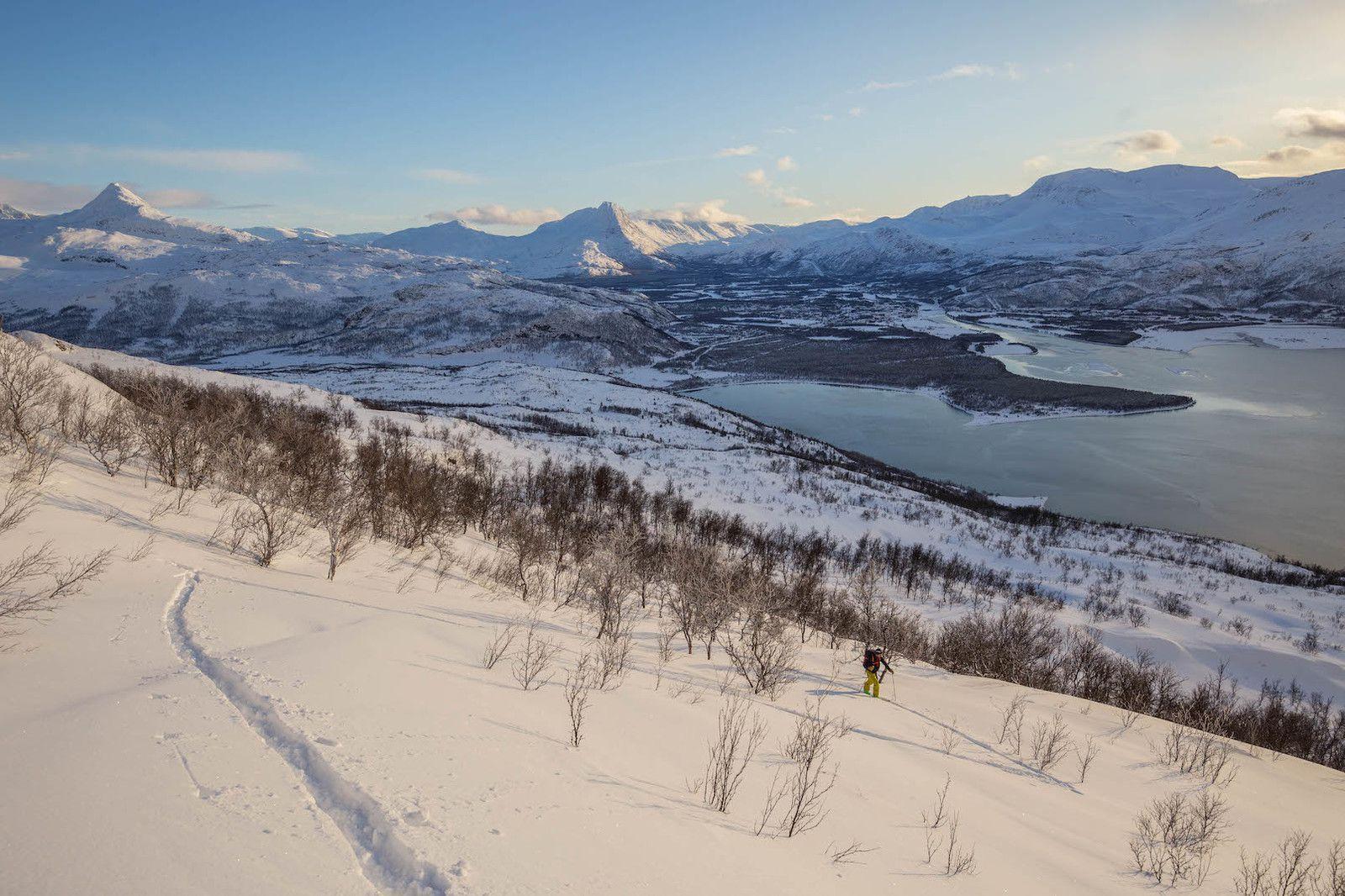Ski de grande qualité sur cette petite bosse (le Nordkjosfjellet)