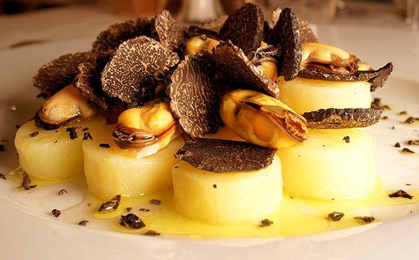 Quand la salade de pommes de terre aux moules et aux truffes entre à La Comédie Française, ça vous dit queque chose ?
