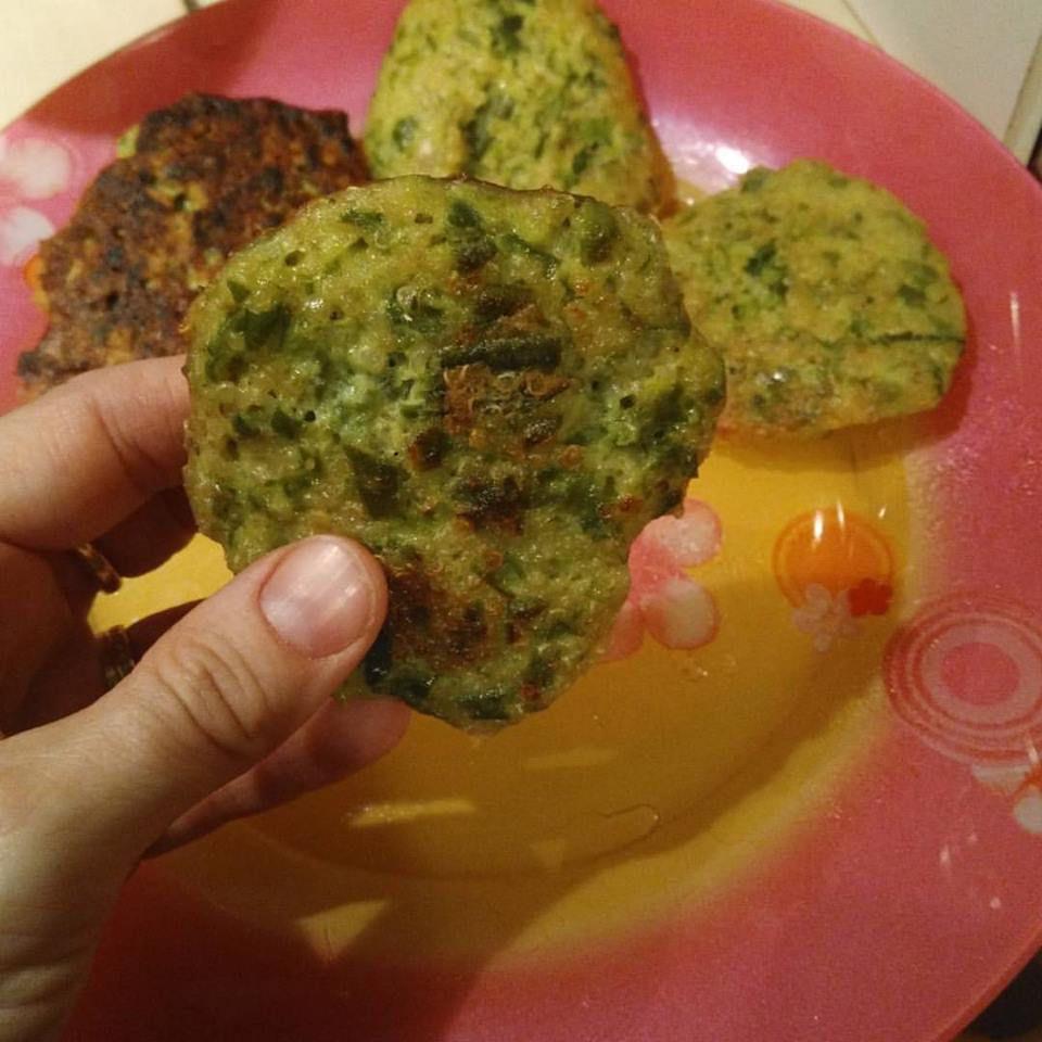 Mercredi gourmand: galettes de quinoa aux légumes.