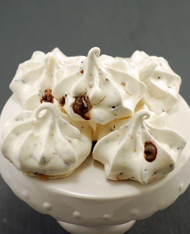 MERENGUES CON NIBS DE CACAO & CHOCOLATE