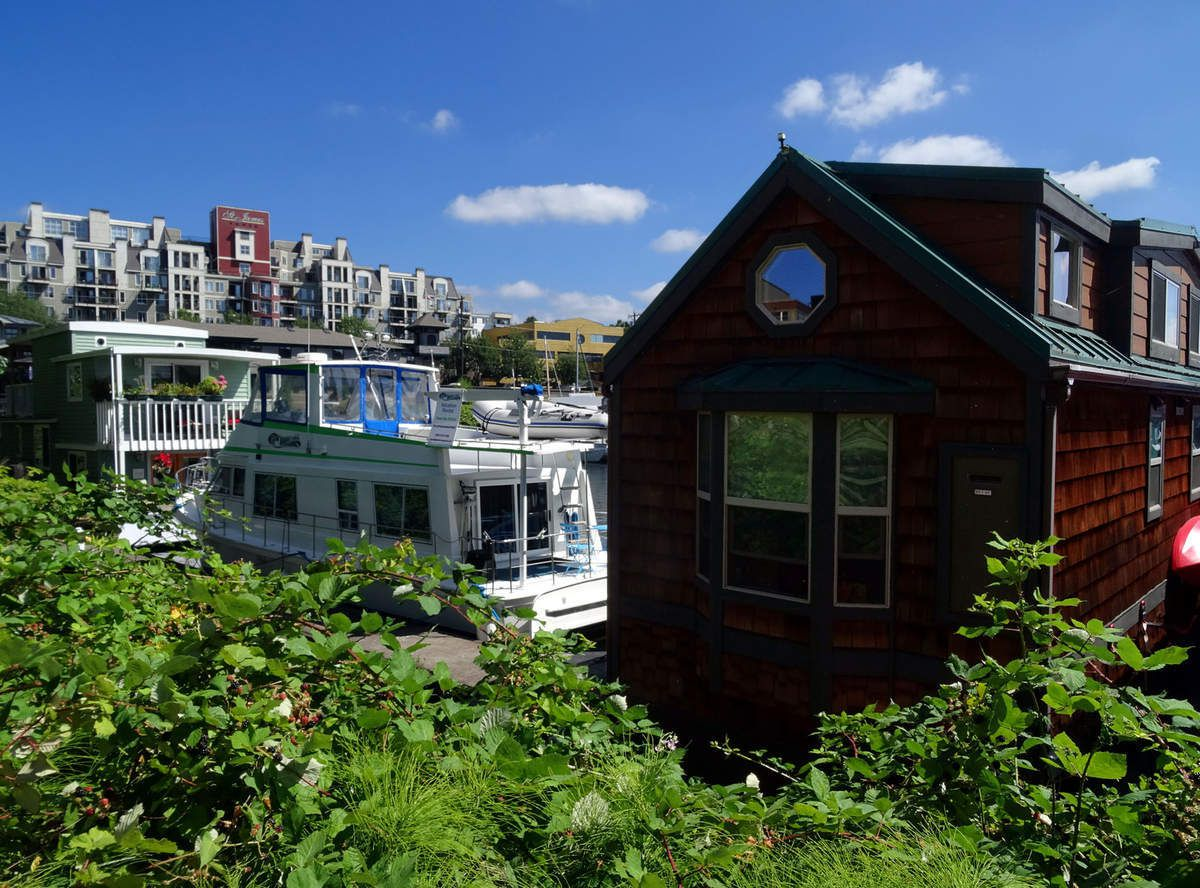Seattle Fremont wooden houseboats