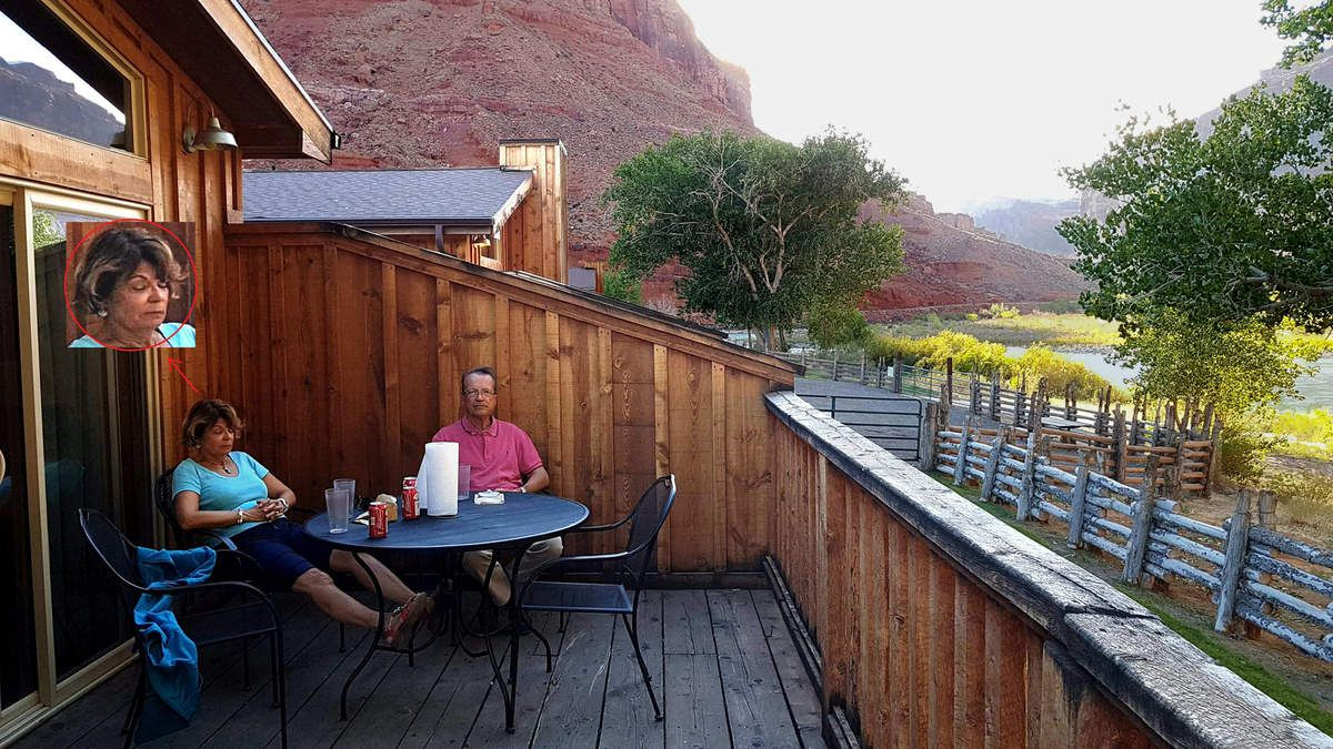 Red cliffs lodge terrasse River Cabin