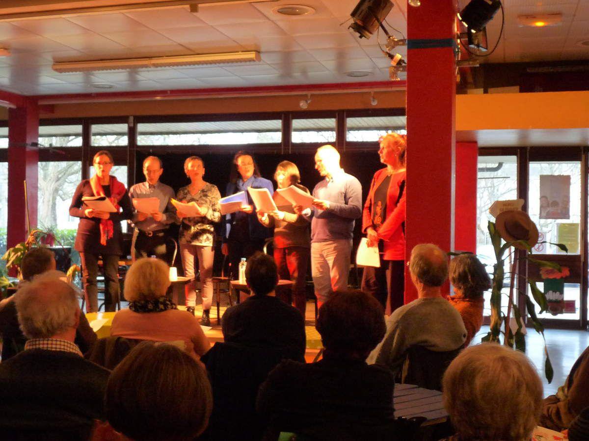 Le Printemps des Poètes à Saumur : Lecture poétique à sept voix à la MJC.